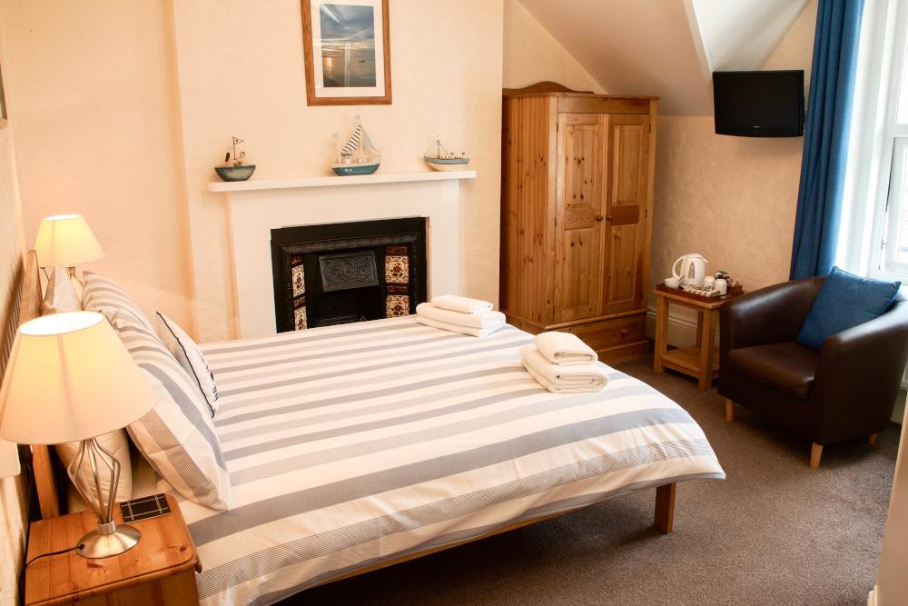 Colebrooke House - Room 3